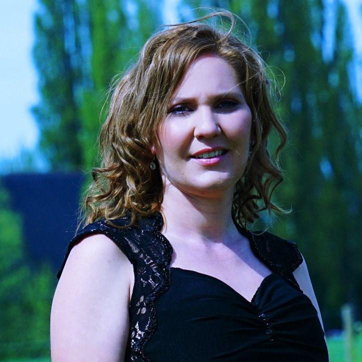Foto van Nancy van Dorenmalen - van der Hulst