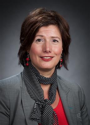 Angela Elferink-Reef van ABN AMRO Bank: https://www.advieskeuze.nl/advies/7511jd/abn-amro-bank/angela...
